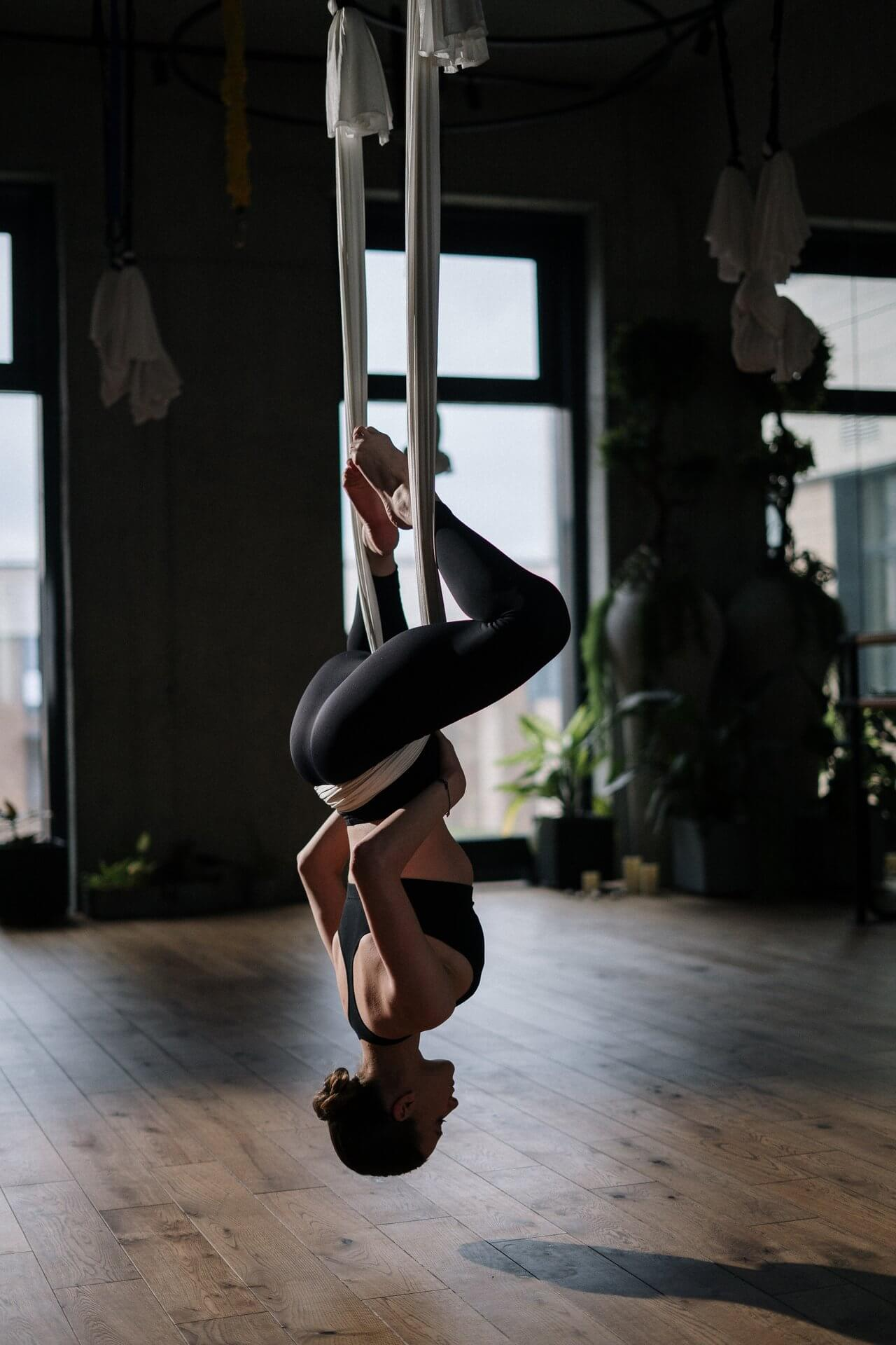 How To Hang Yoga Trapeze?